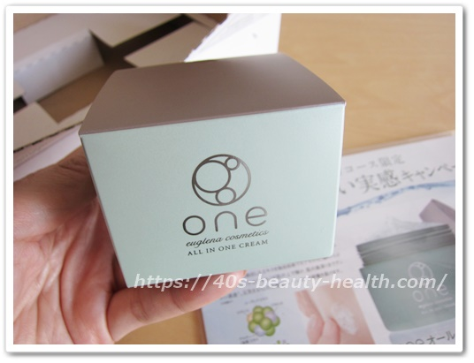 片平なぎさ ユーグレナ オールインワンゲル 化粧品 one(ワン)口コミ 写真 980円 最安値 通販 購入 届いた箱開けた