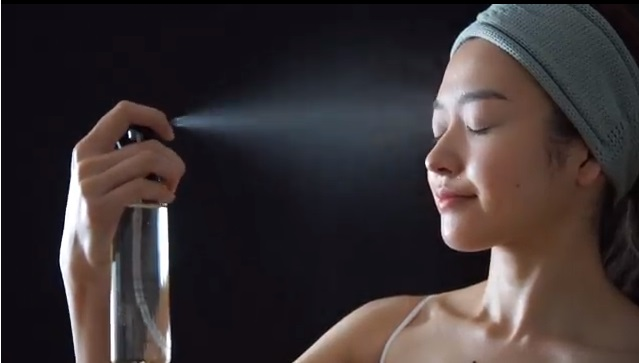 ととのうみすと 口コミ ファンファレ 毛穴 化粧水スプレー トトノウミスト 効果 通販 最安値 ブログ アットコスメ 動画3