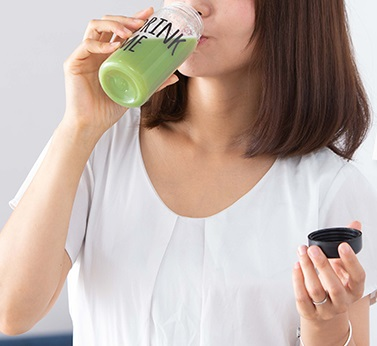 MAM 青汁 グリーンプロテインダイエット 口コミ 効果 タンパク質が摂れる置き換えダイエット 飲み方 成分 感想 評価 評判 ブログ 飲む